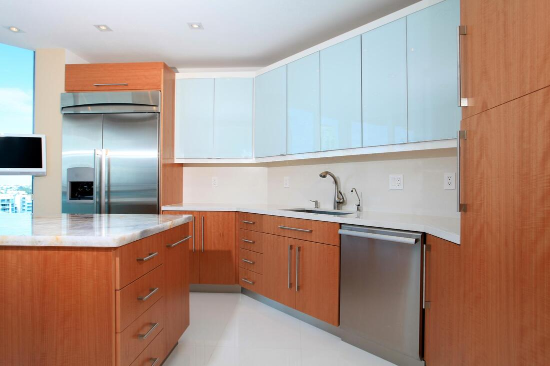 a nice kitchen cabinet